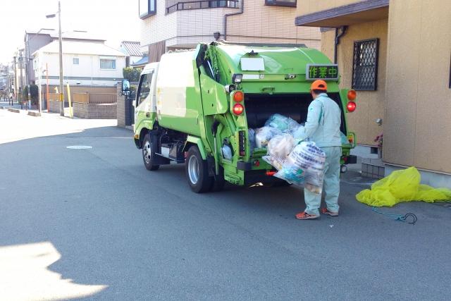 ゴミ回収 パッカー車